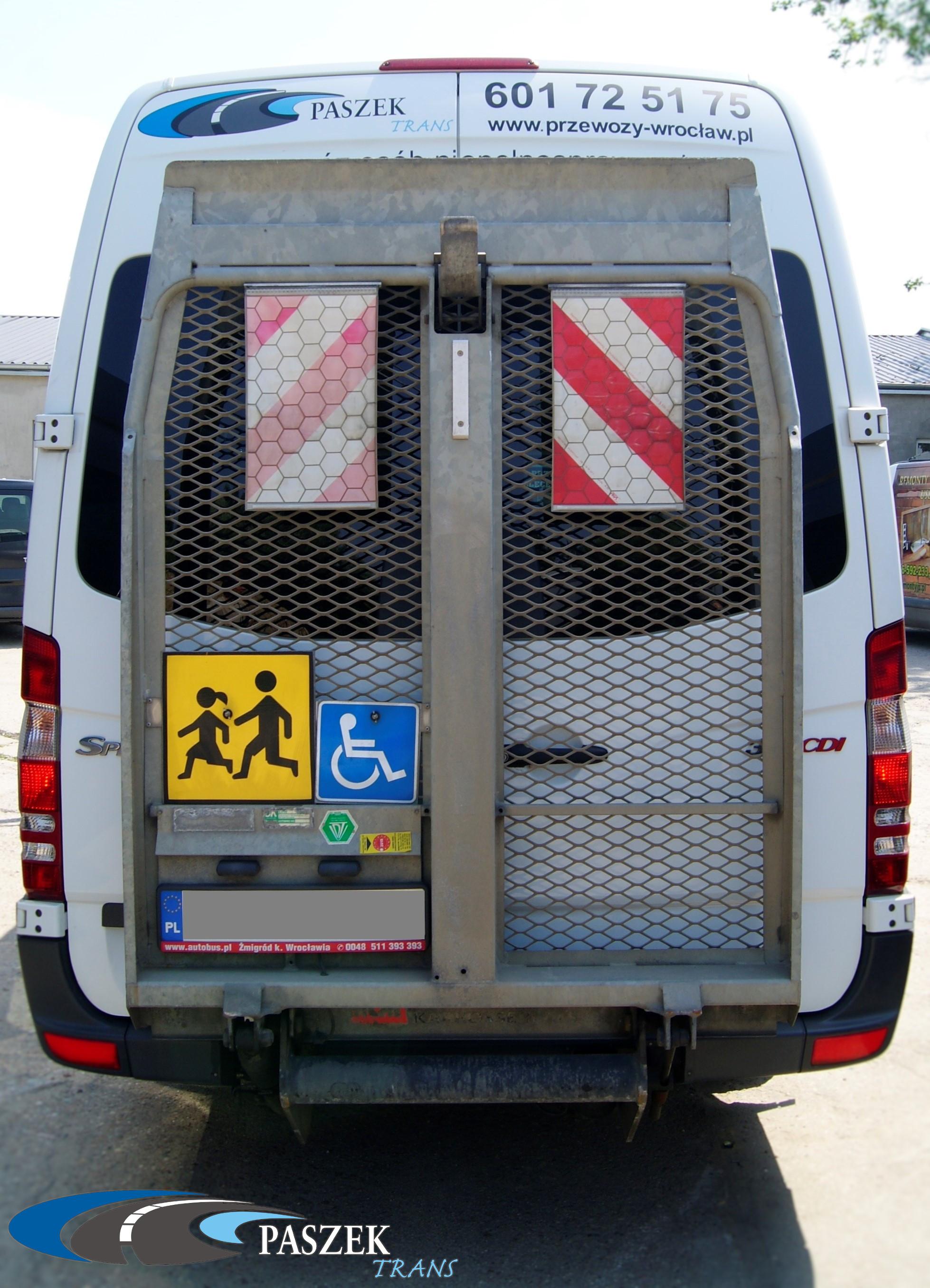 transport, autobusy z klimatyzacją, klimatyzacja, samochody przystosowane do przewozu osób niepełnosprawnych, busy 9-osobowe,